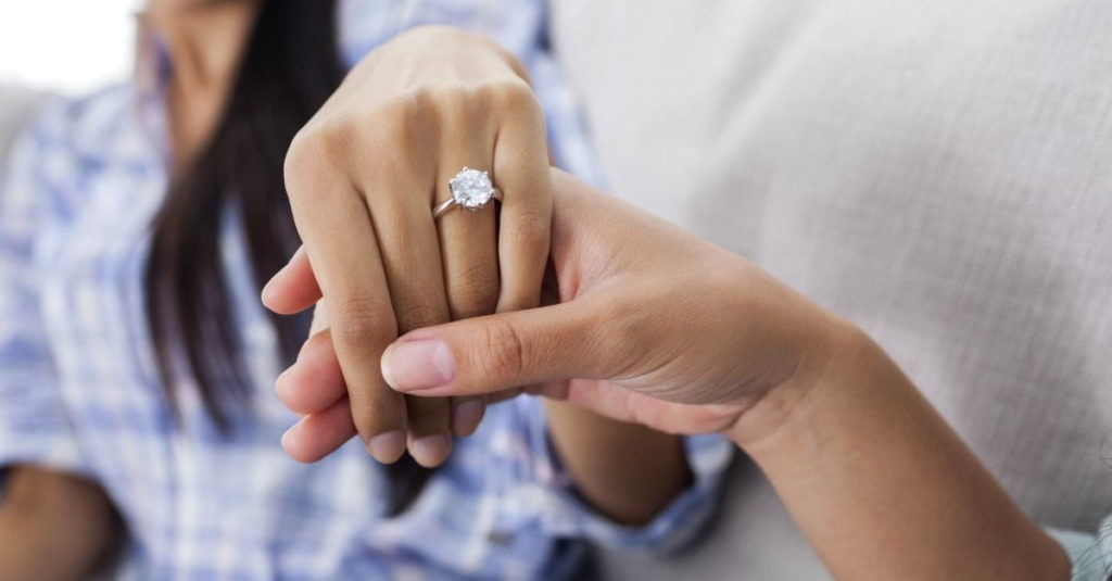 How long to date before getting engaged?